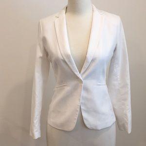 NWT fully lined white blazer. Size 8